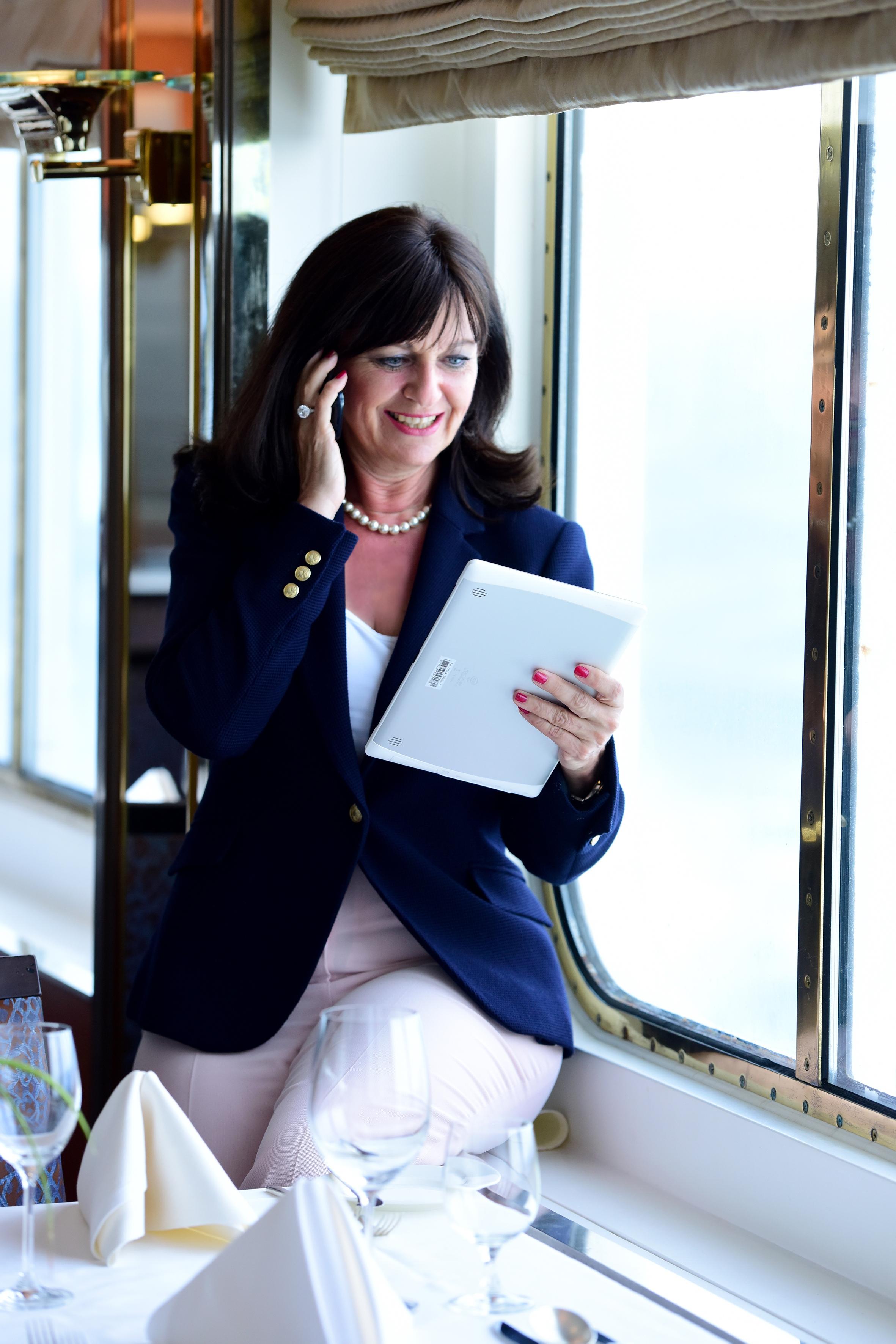 Martina Berg bietet Tipps für Ihr Outfit. Fashion Coaching für Damen und Herren