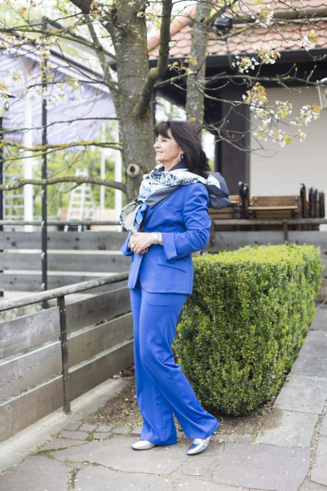 Blauer Hosenanzug - Komplett Look