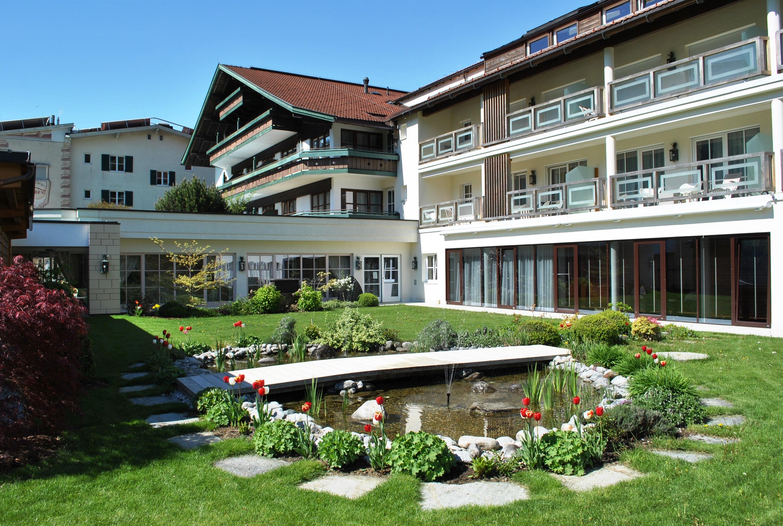 Zillertal 2016 Außenanlage mit Teich