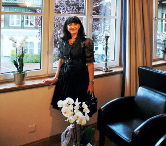 Zillertal 2016 - schwarzes Dirndl Hotel Theresa