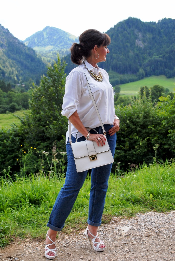 Jeans und Bluse