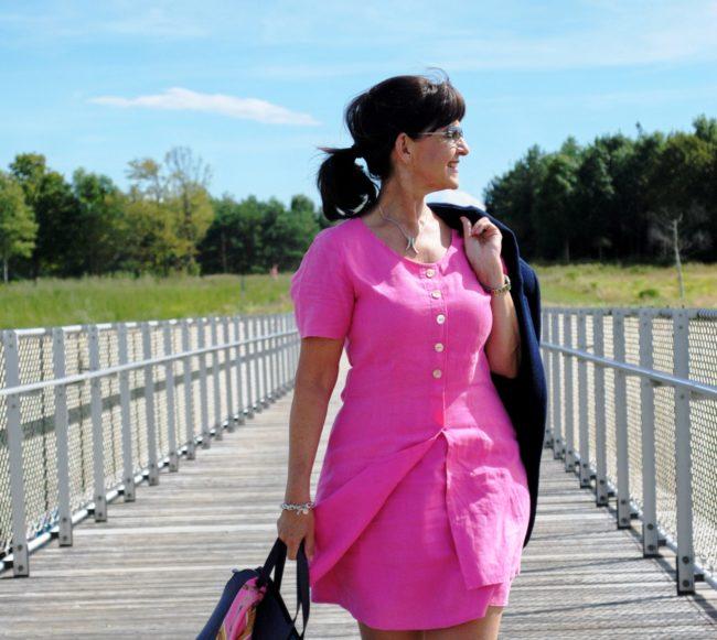 Kleid in Pink mit Tasche