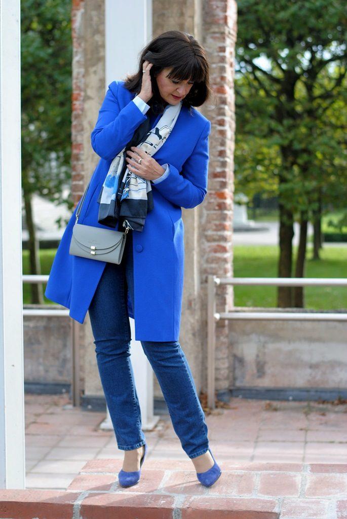 Modisch durch die Woche – Büro-Look mit Jeans