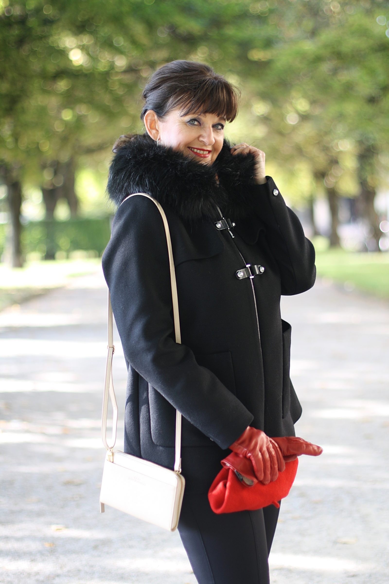 schwarze-jacke-zara-und-accessoires