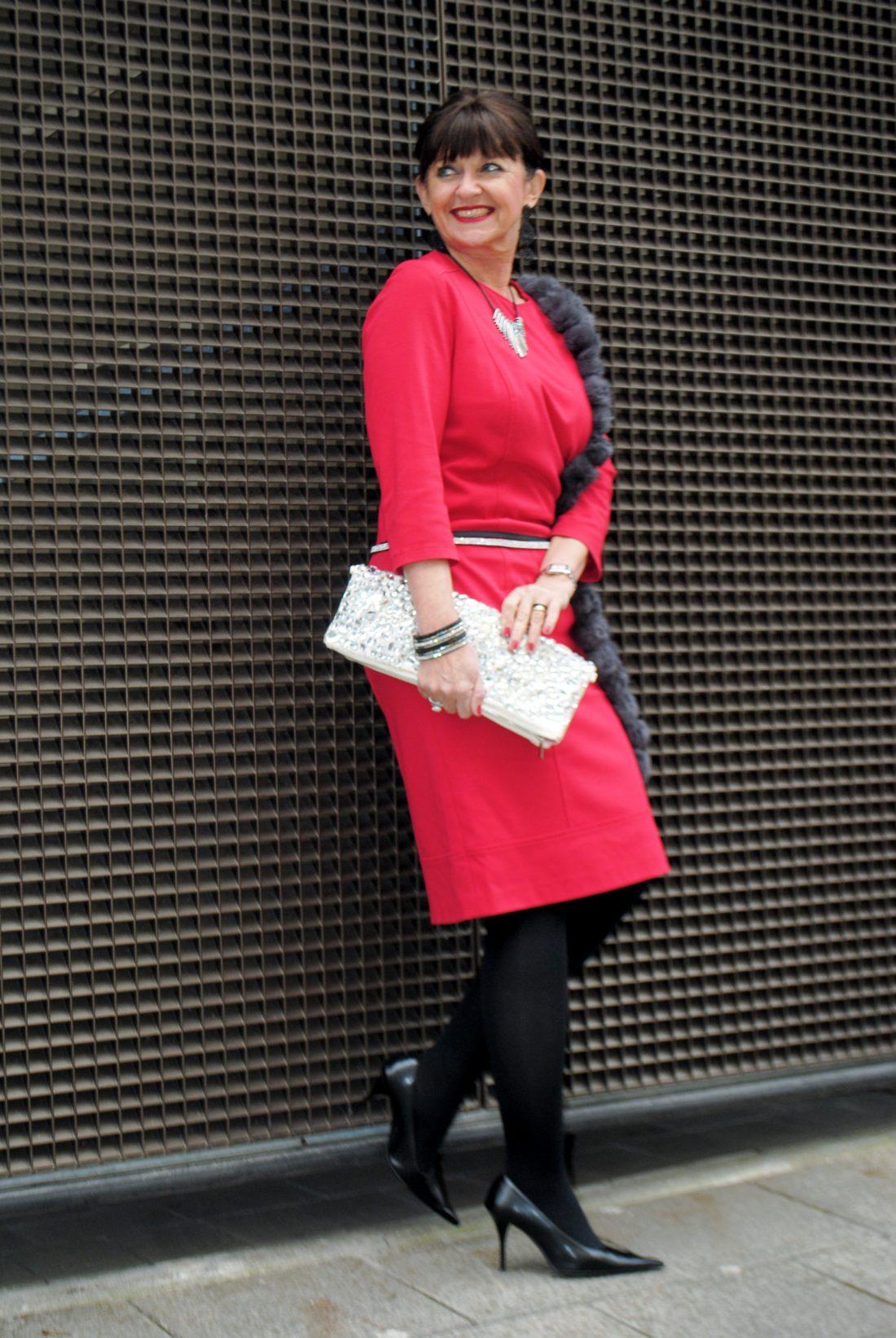 Rotes Kleid zur Weihnachtszeit - Festliche Kleidung Teil II ...
