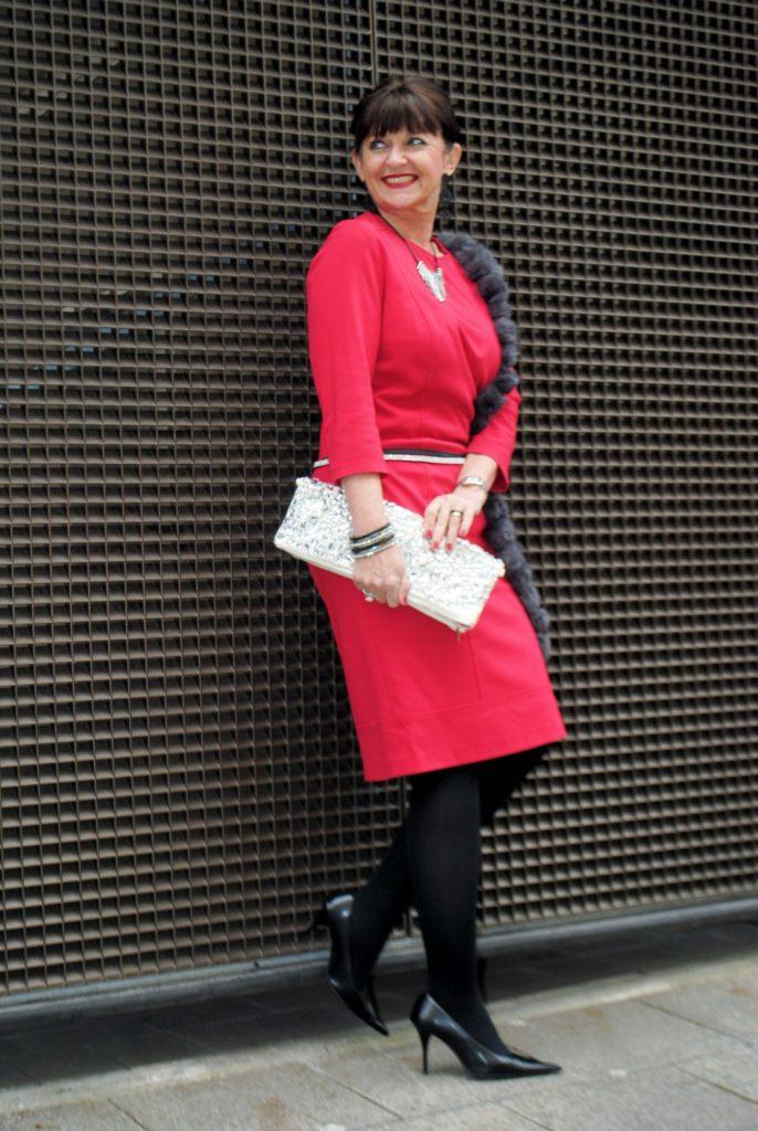 Rotes Kleid zur Weihnachtszeit – Festliche Kleidung Teil II