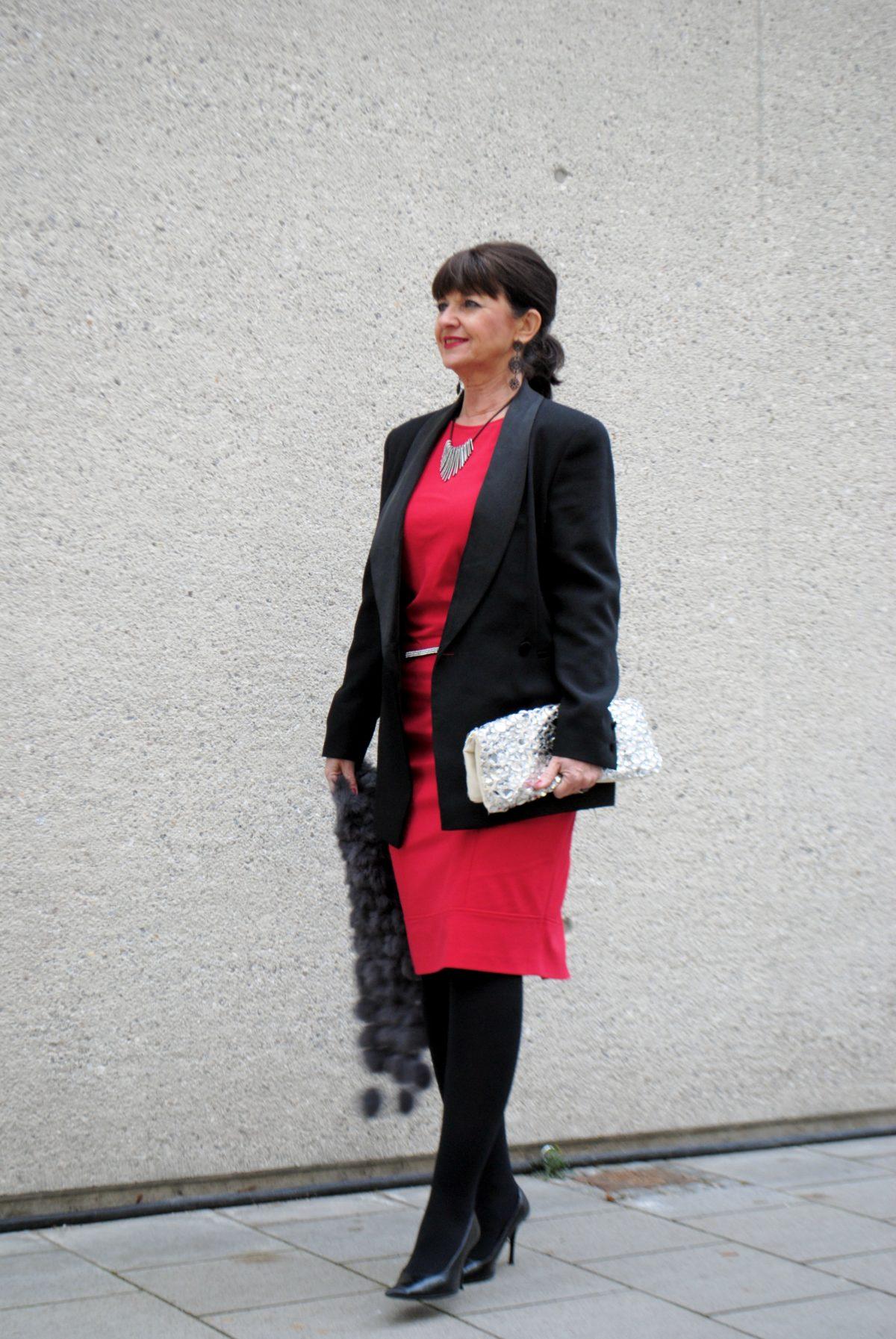 Welche jacke zum roten kleid