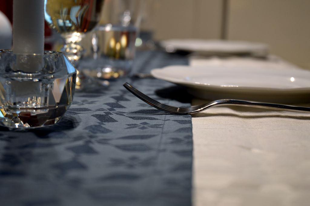 tischlaeufer-blau-jacquard