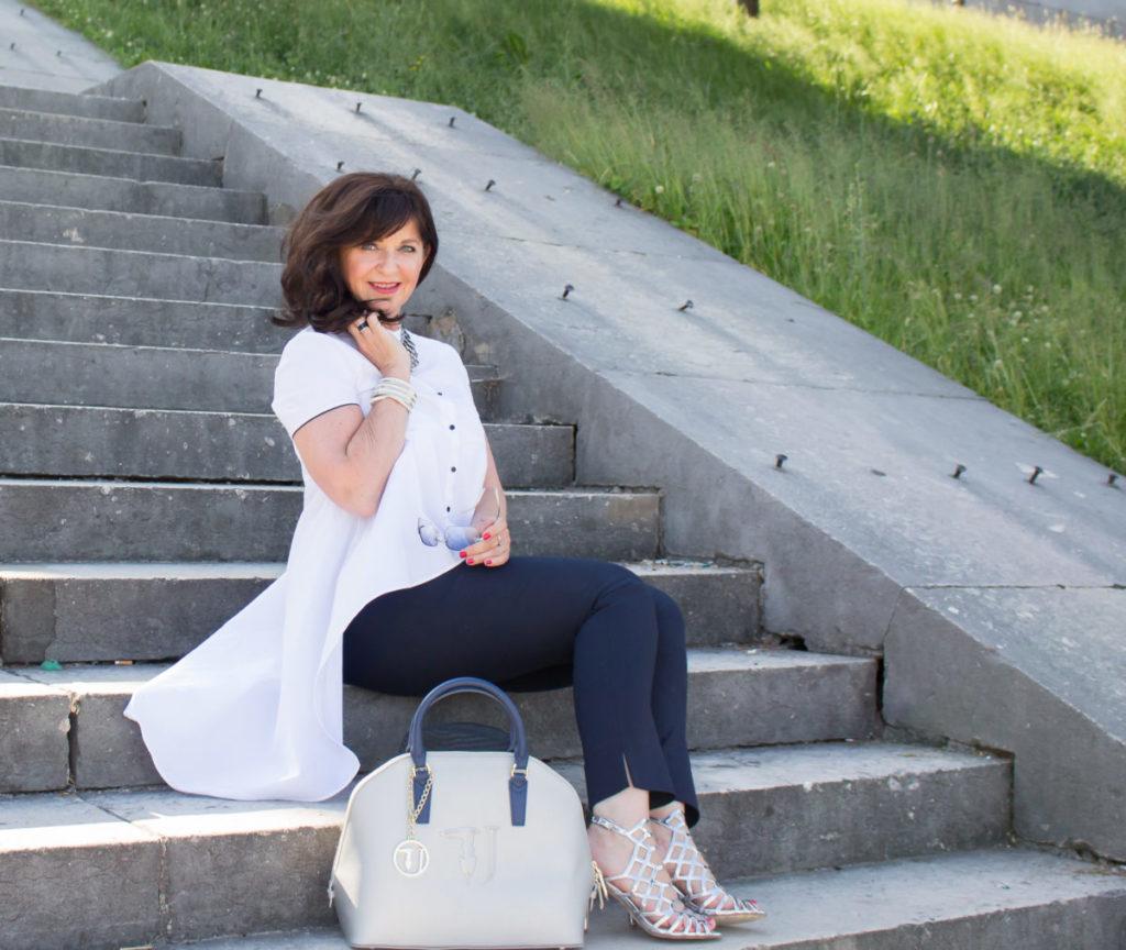 Stylingtipps – Extravagante Bluse trifft Metallic Look