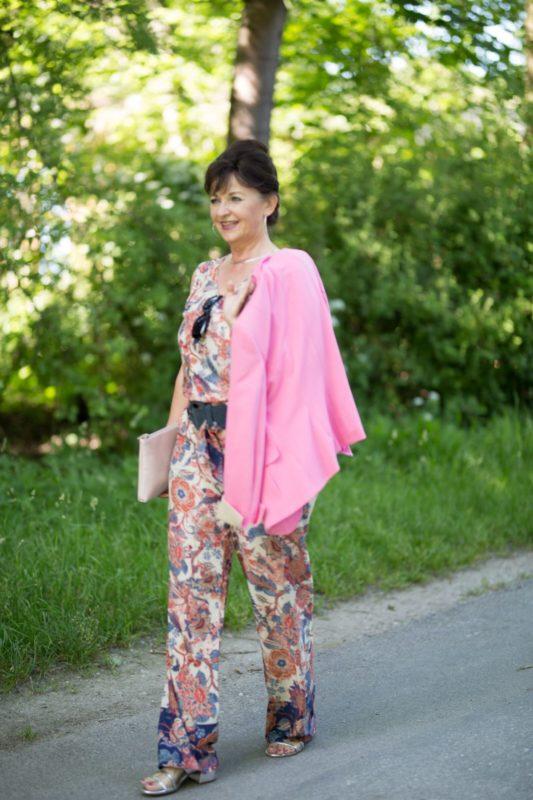 Rosa Blazer mit Jumpsuit