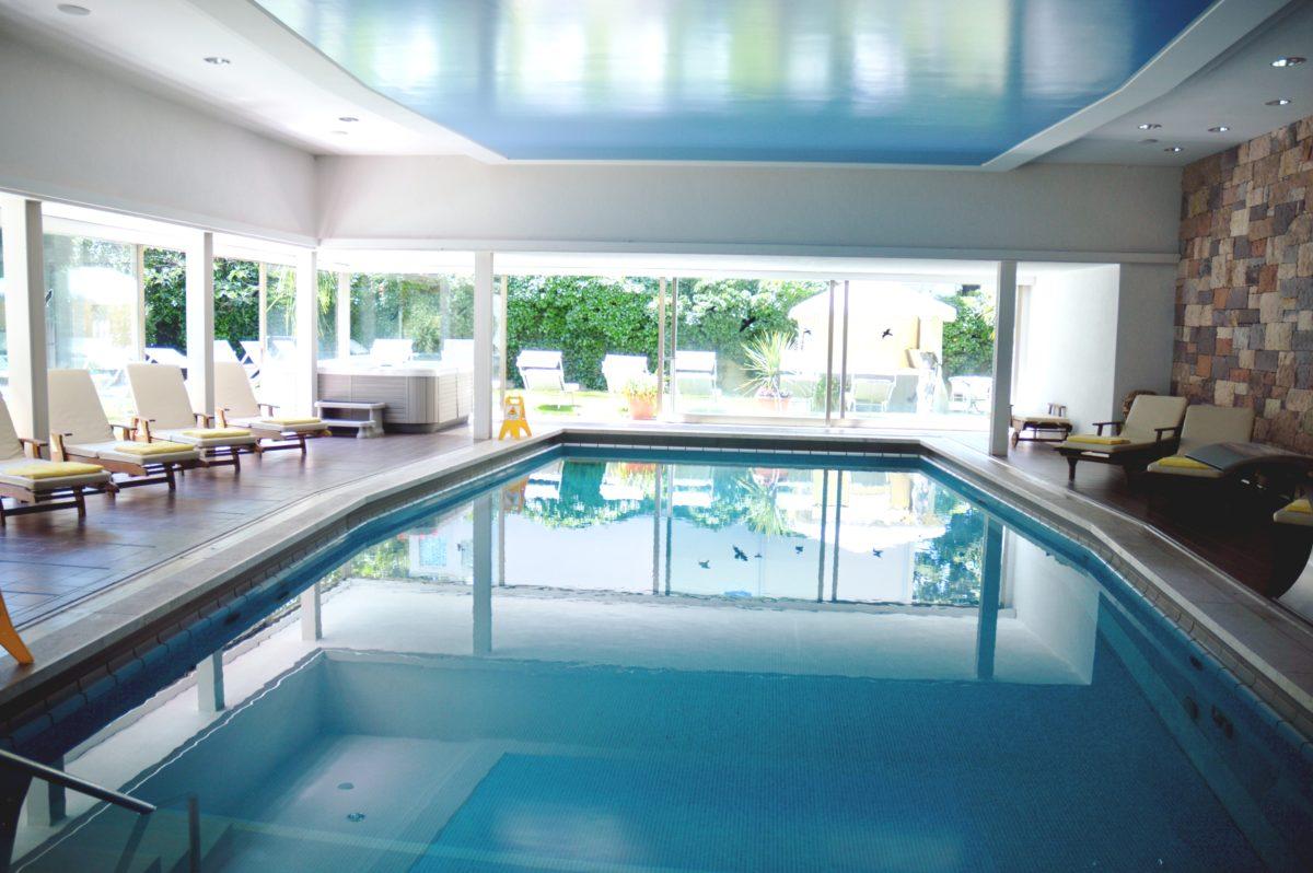 Schwimmbad Hotel Adria