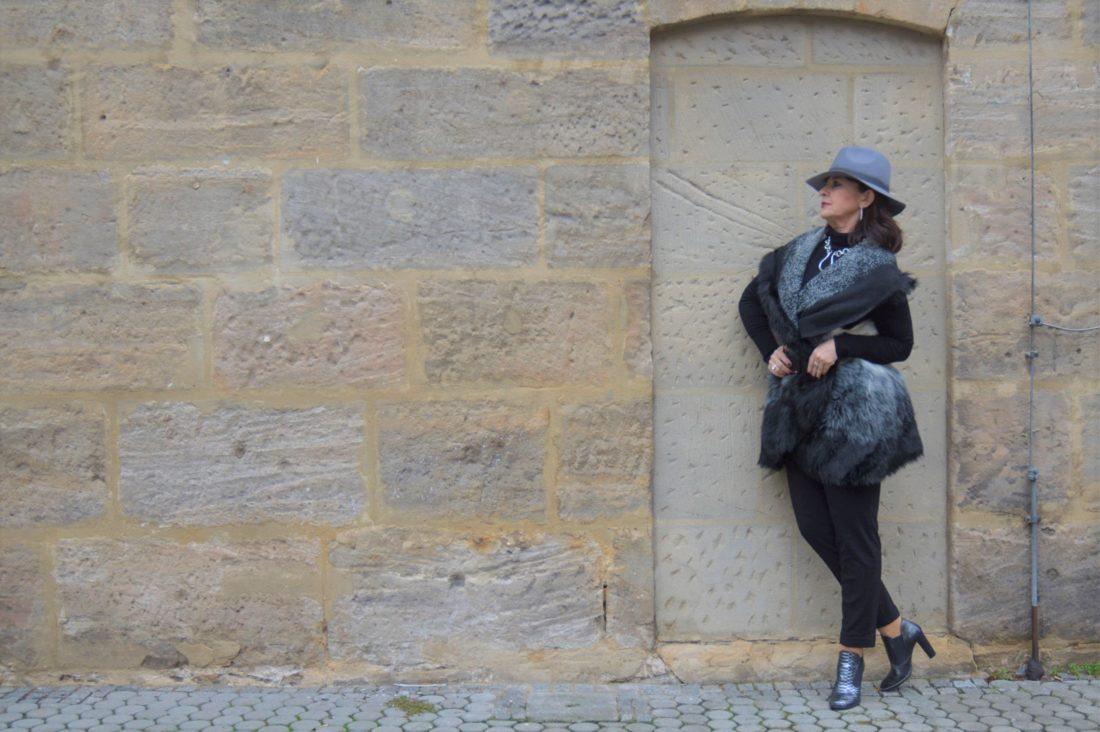 Fake Fur Weste für Frauen 40plus