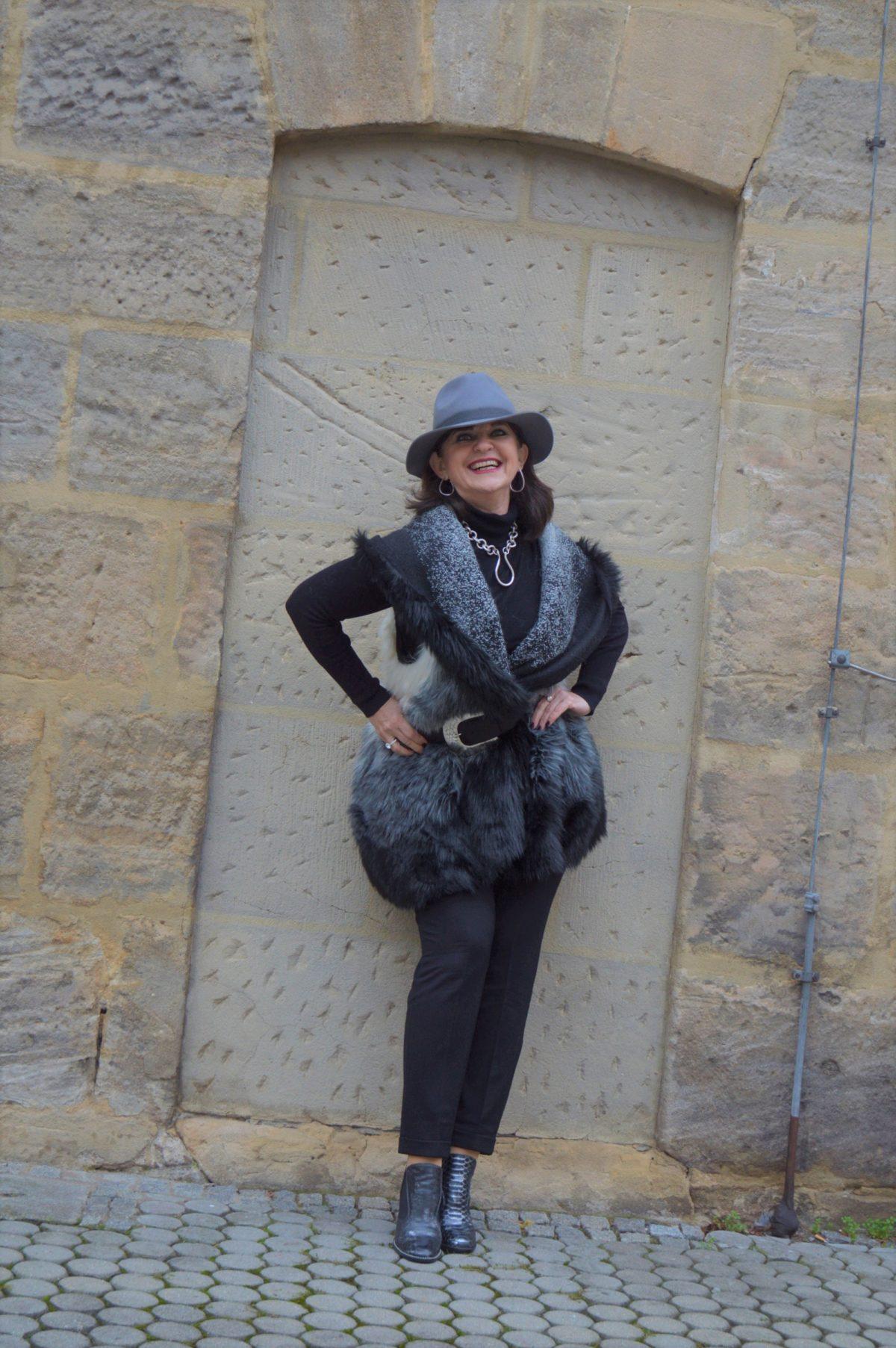 Fake Fur in schwarz weiß