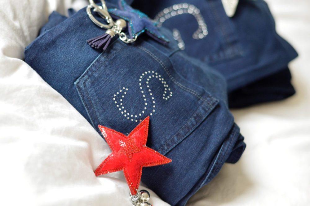 Jeans mit S Monogram