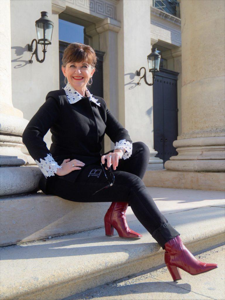 LADY DELUXE IN SCHWARZ – mit Jeans ins Büro