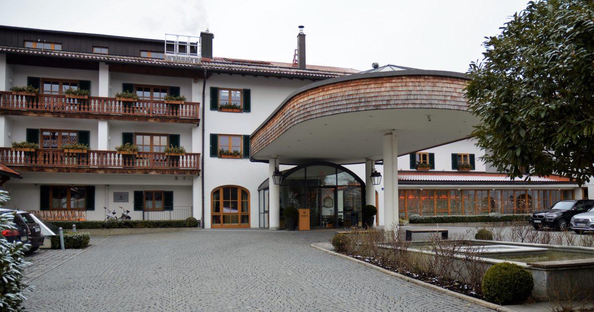 Eingang Hotel Bachmair Weissach