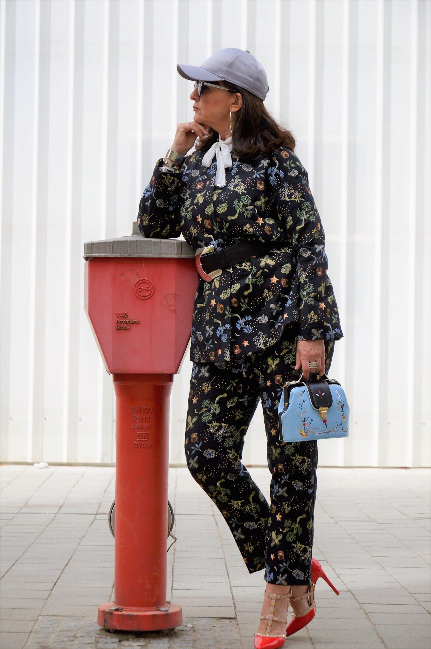 Fashion over 50 Lady 50plus