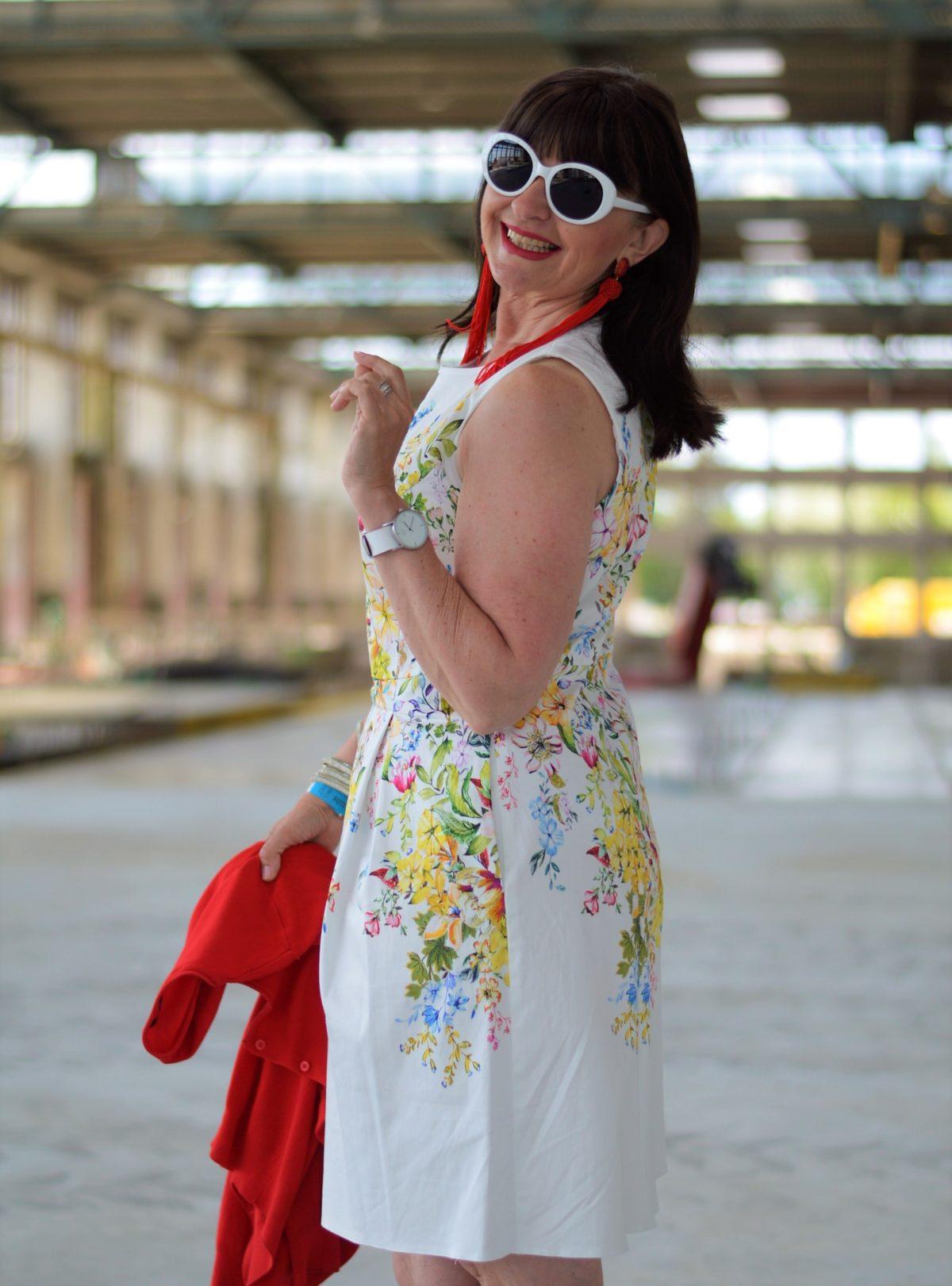8 Styling Tipps für ein Sommerkleid - Summer in the city - Martina ...