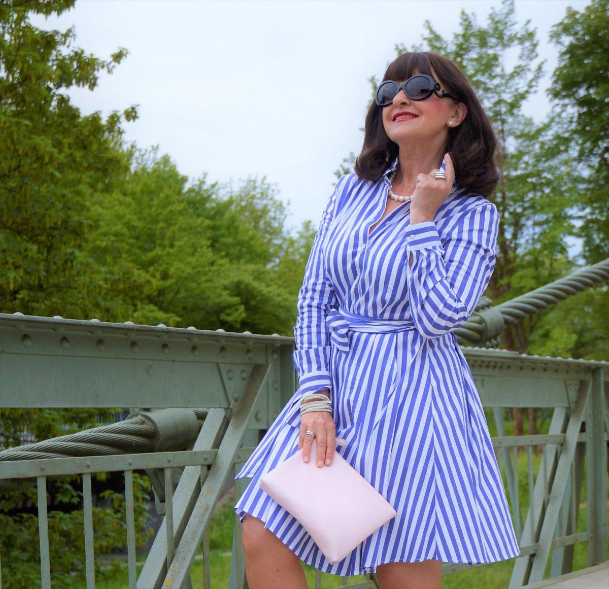 Hemdblusenkleid richtig stylen