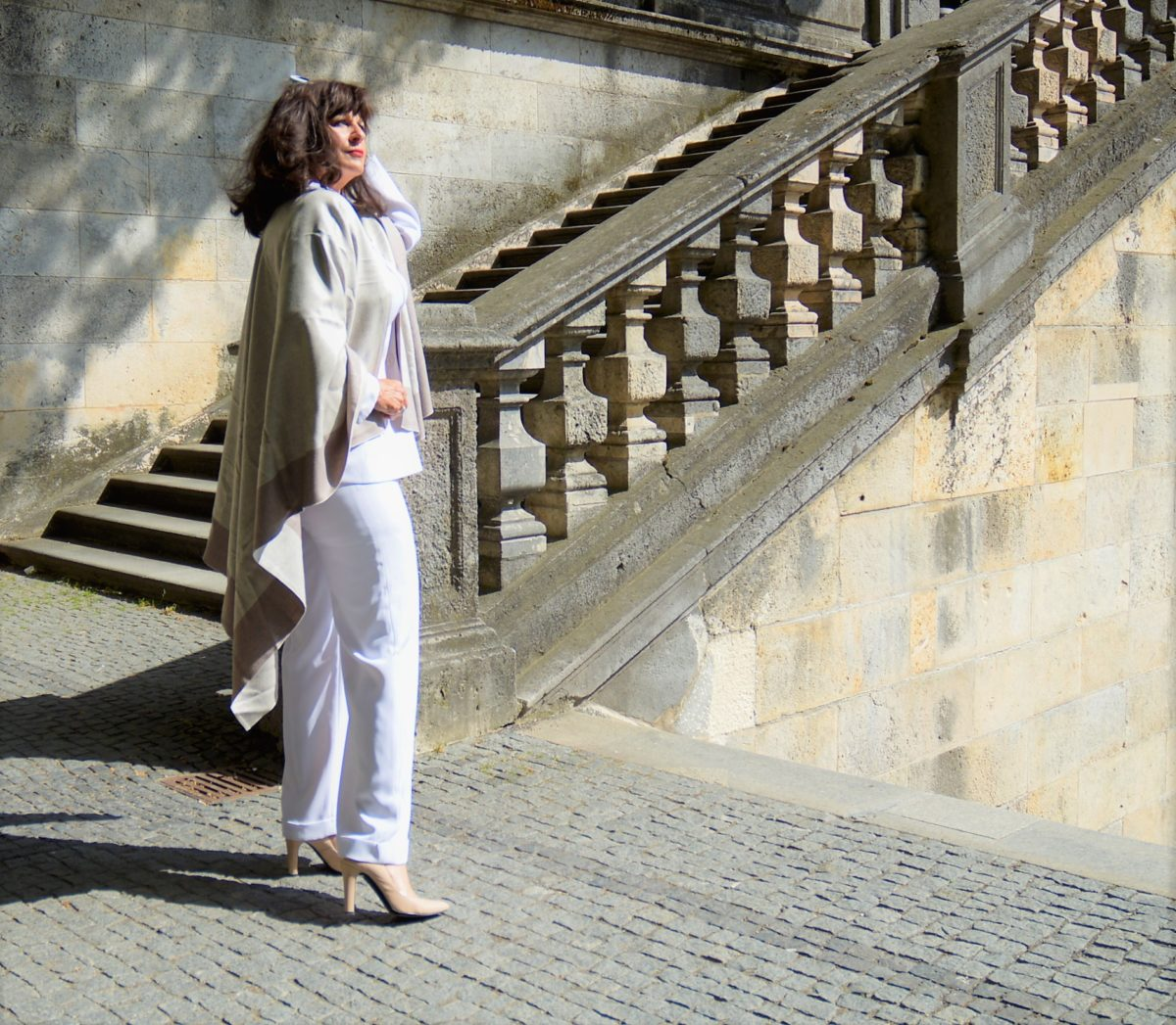 Edele Capes in Taupe