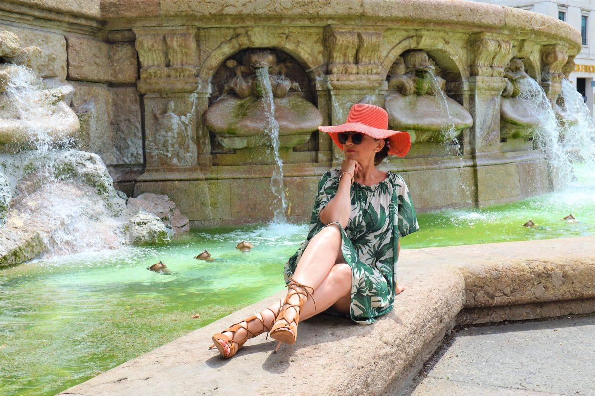 Dschungelkleid mit Hut