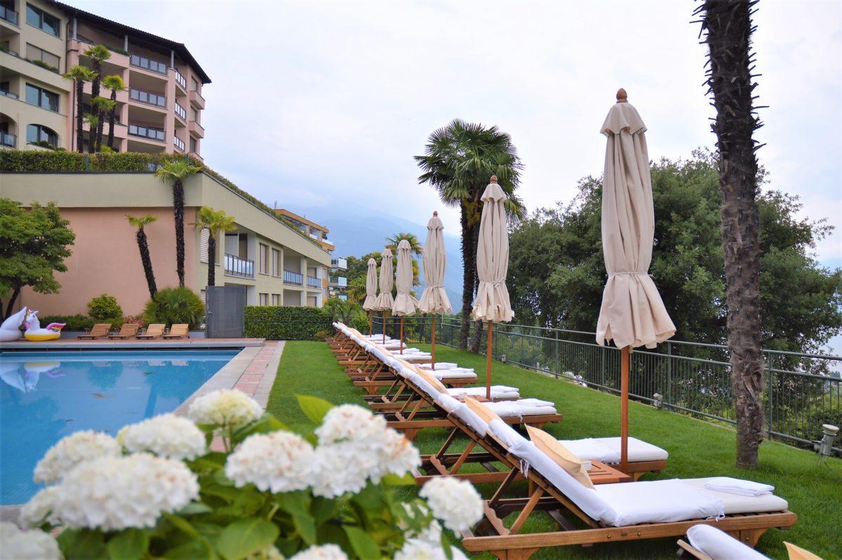 Poolbereich Villa Orselina