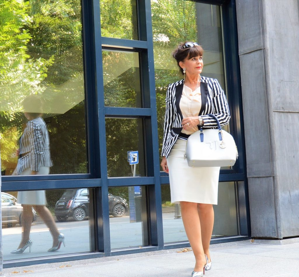 3edd0b80c2f9 Das perfekte Business Outfit für warme Tage - 5 Styling Tipps ...