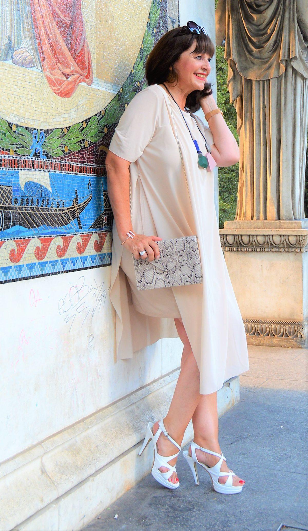 COS Kleid mit Tasche