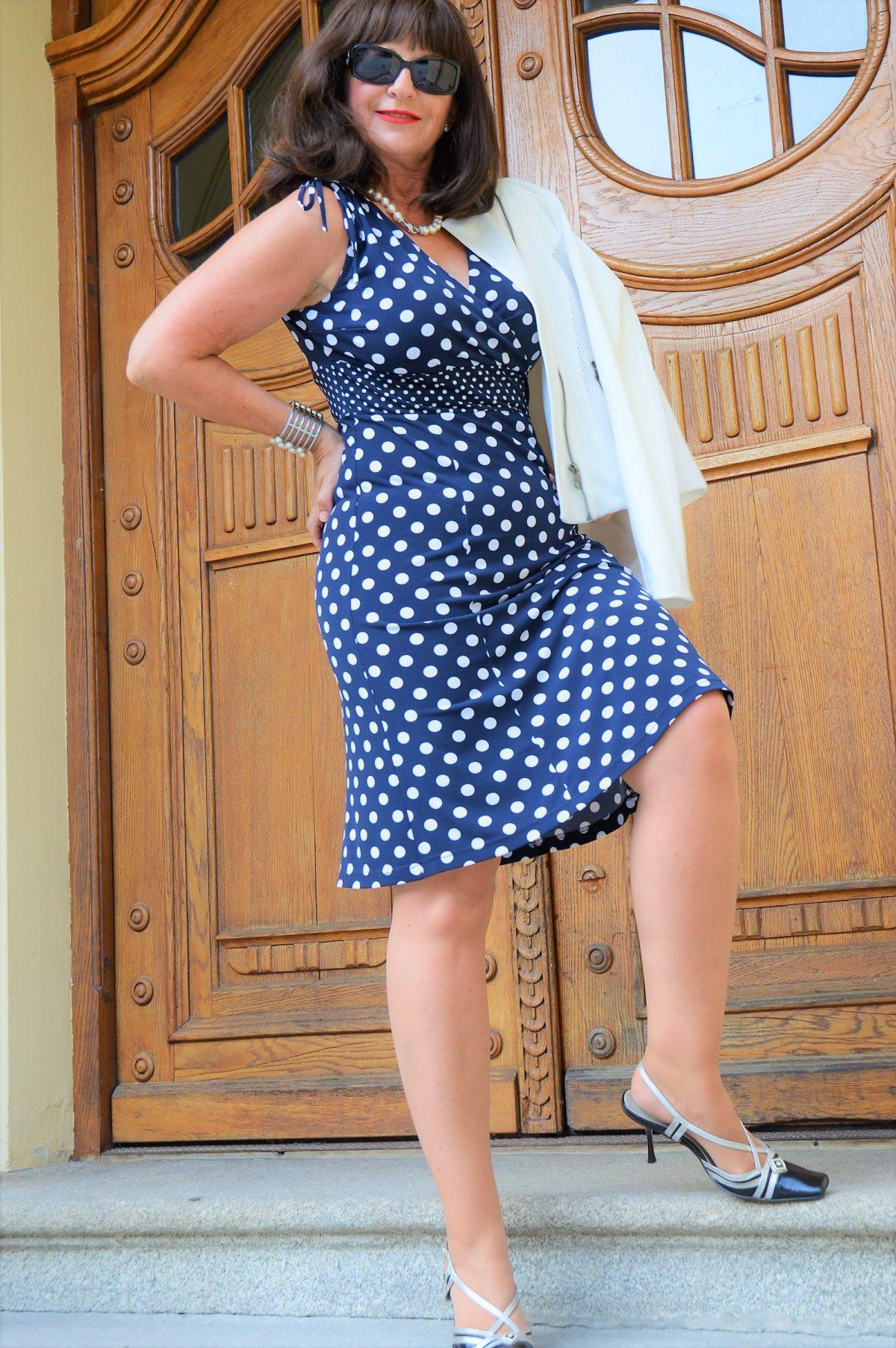 getupftes Kleid dunkelblau