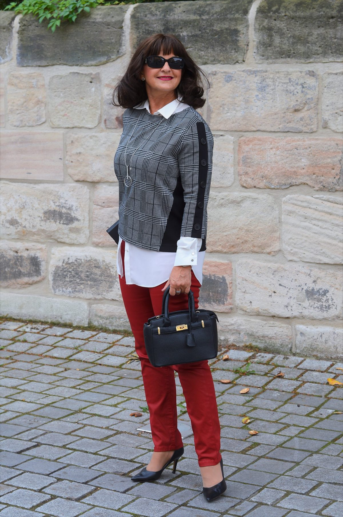 Rote Business Hose