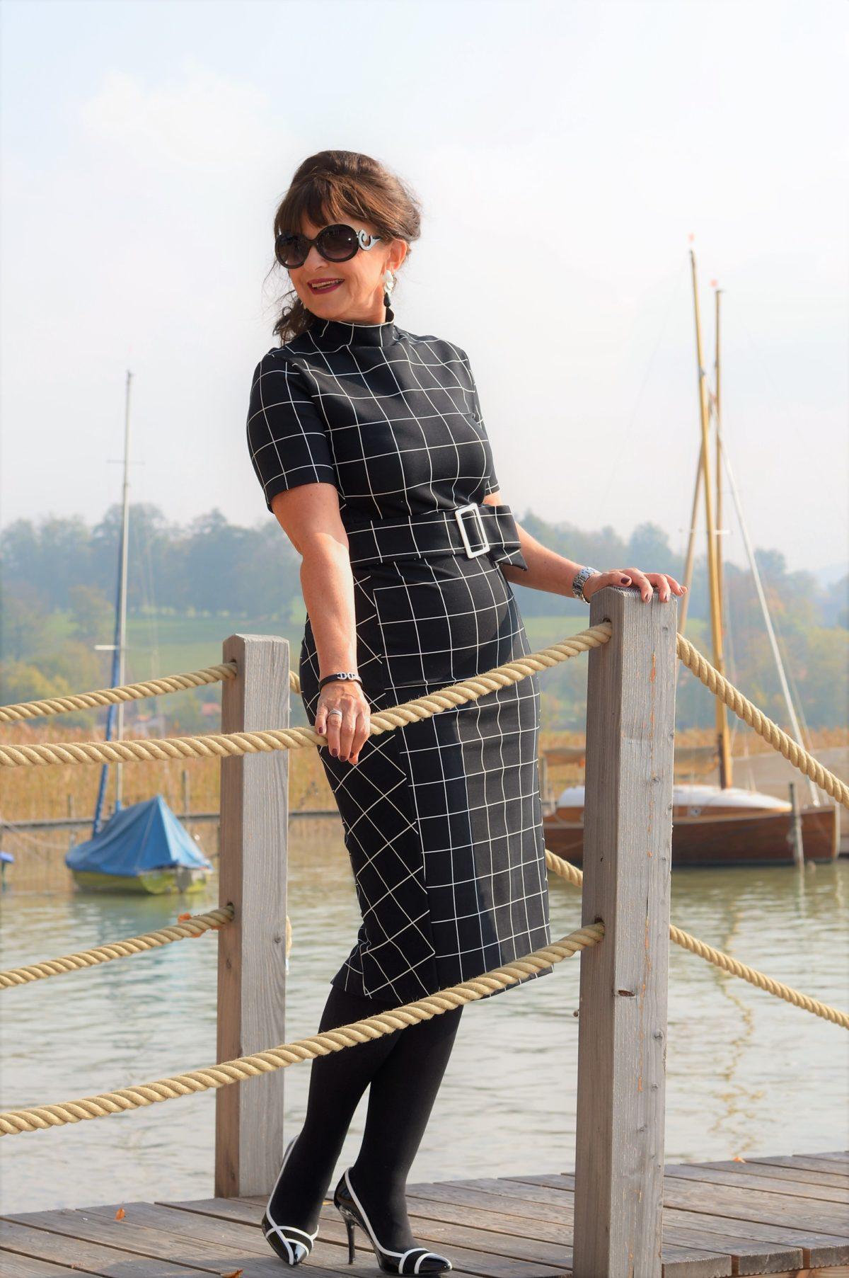 Kleid von Zara black and white