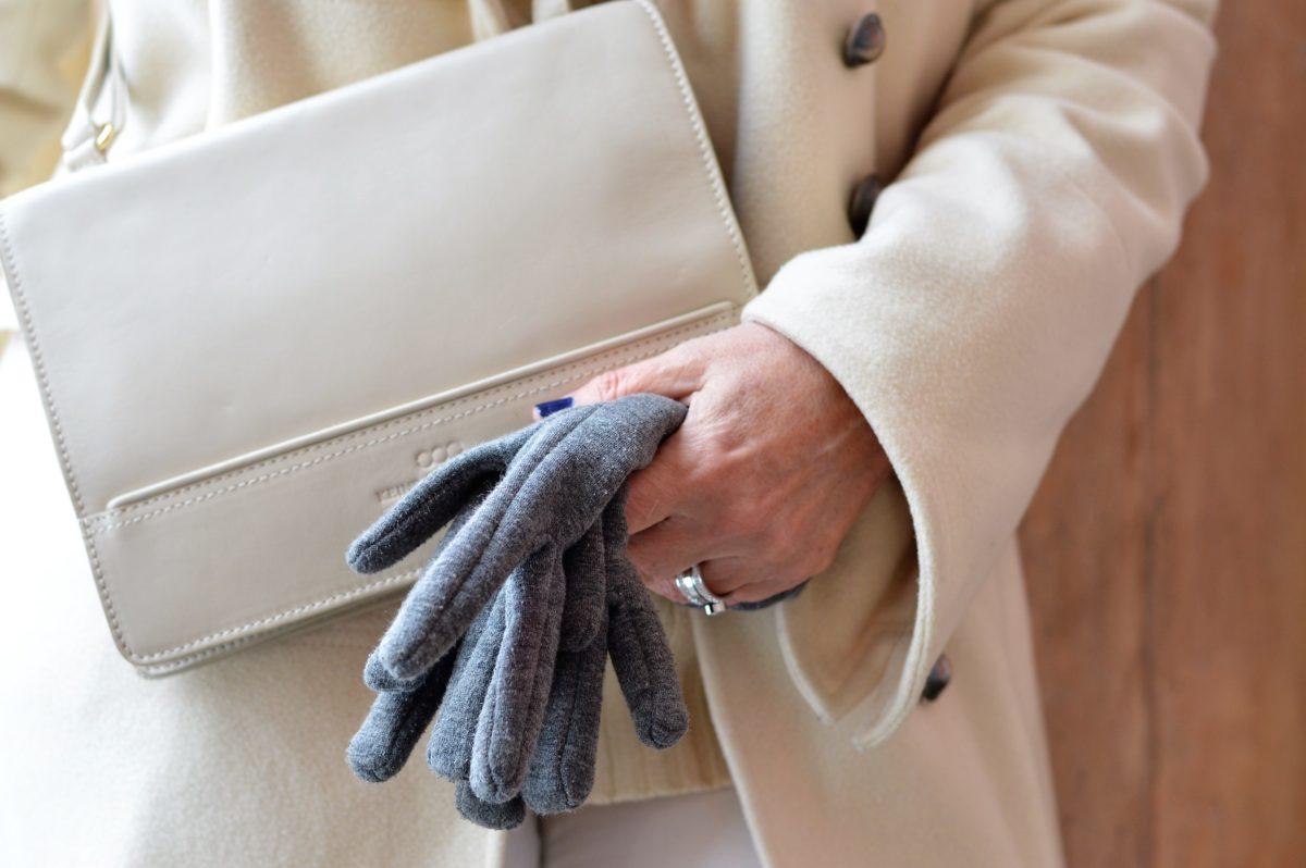 Handschuhe mit Tasche