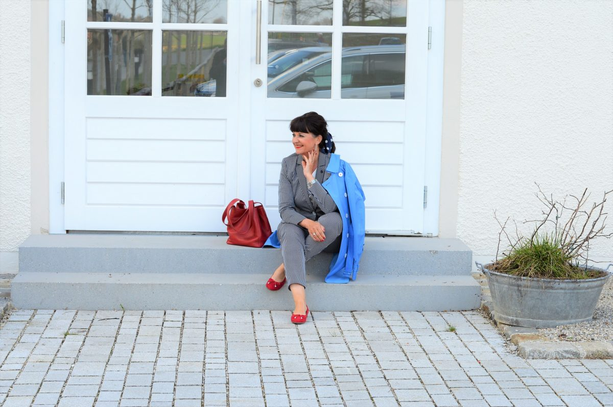 7 Looks für 7 Tage mit gestreiftem Hosenanzug