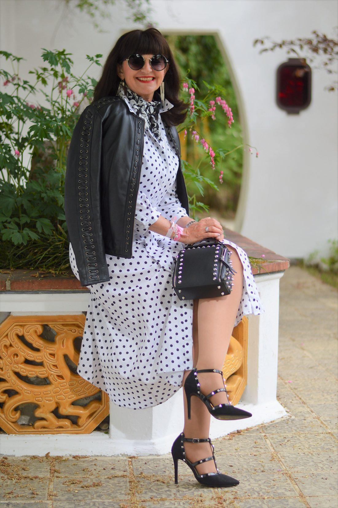 6e9d319d8a5483 Hemdblusenkleid mit Polka Dots – 4 Styling Tipps auf den Punkt gebracht