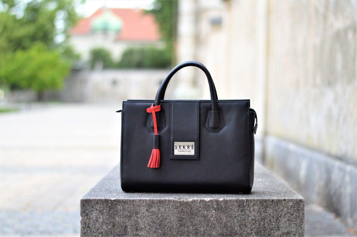 Mystery Bag Lady 50plus