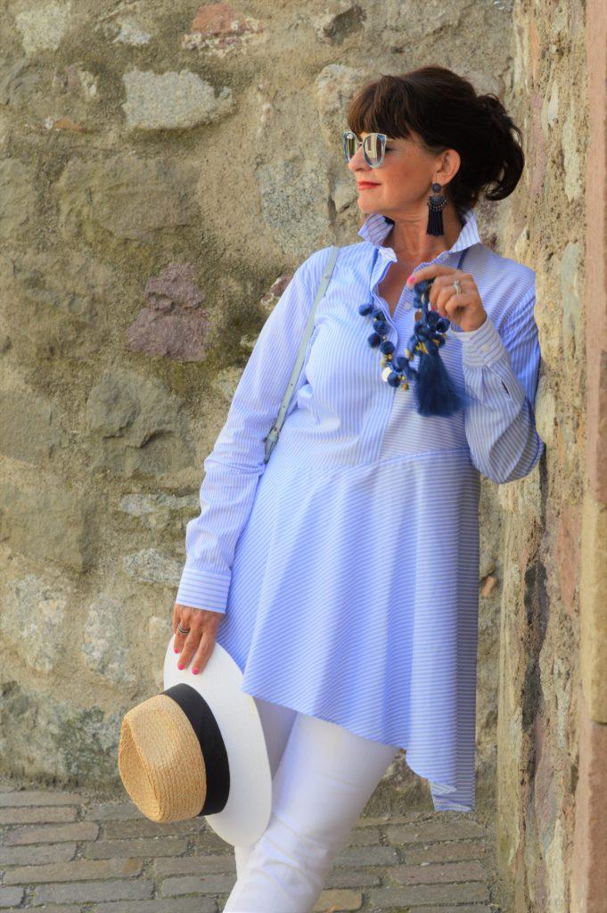 Blusenkleid in hellblau
