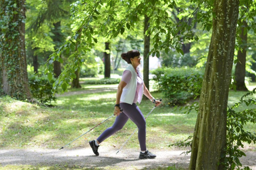 Lady 50plus Nordic Walking