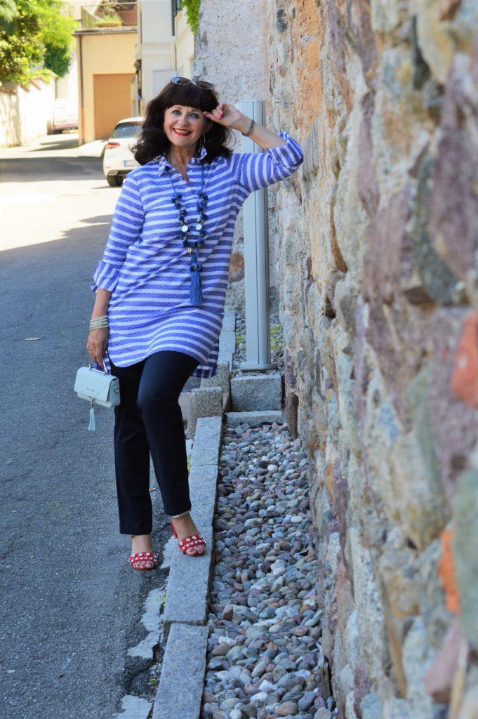 Blusenkleid im Streetstyle