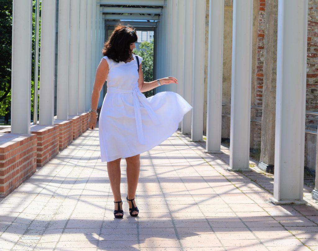Leinenkleid in weiß