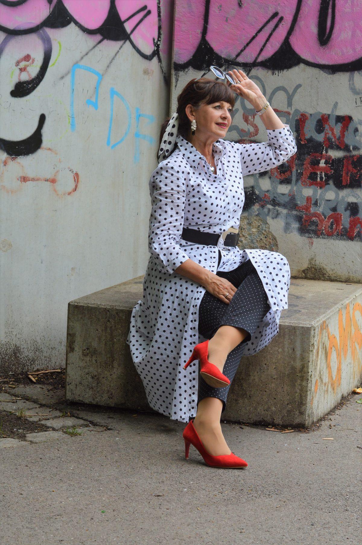 7 Looks für 7 Tage mit Kleid und Hose