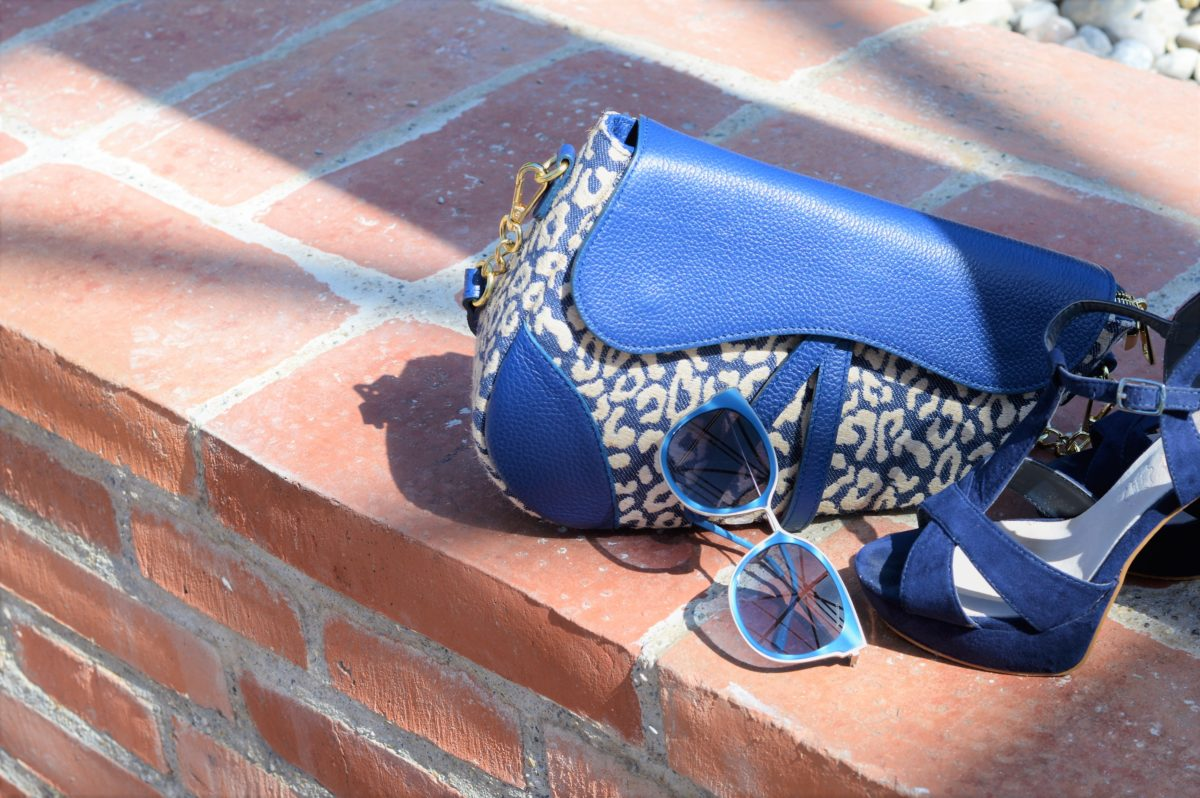 Blaues Accessoires