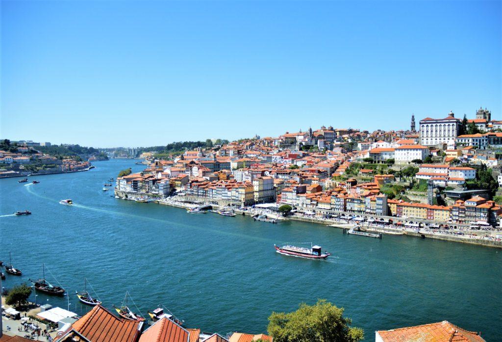 Ausblick auf Porto von der Brücke