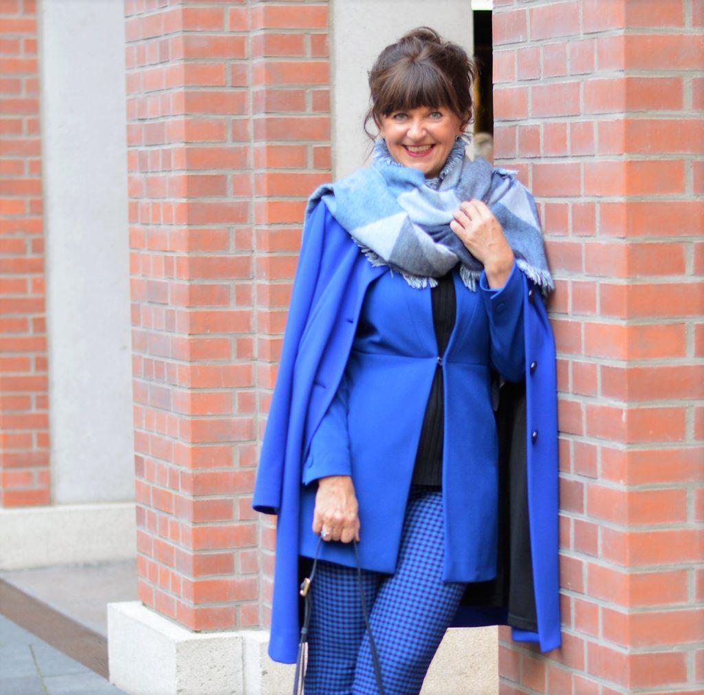 Karoschal in blau