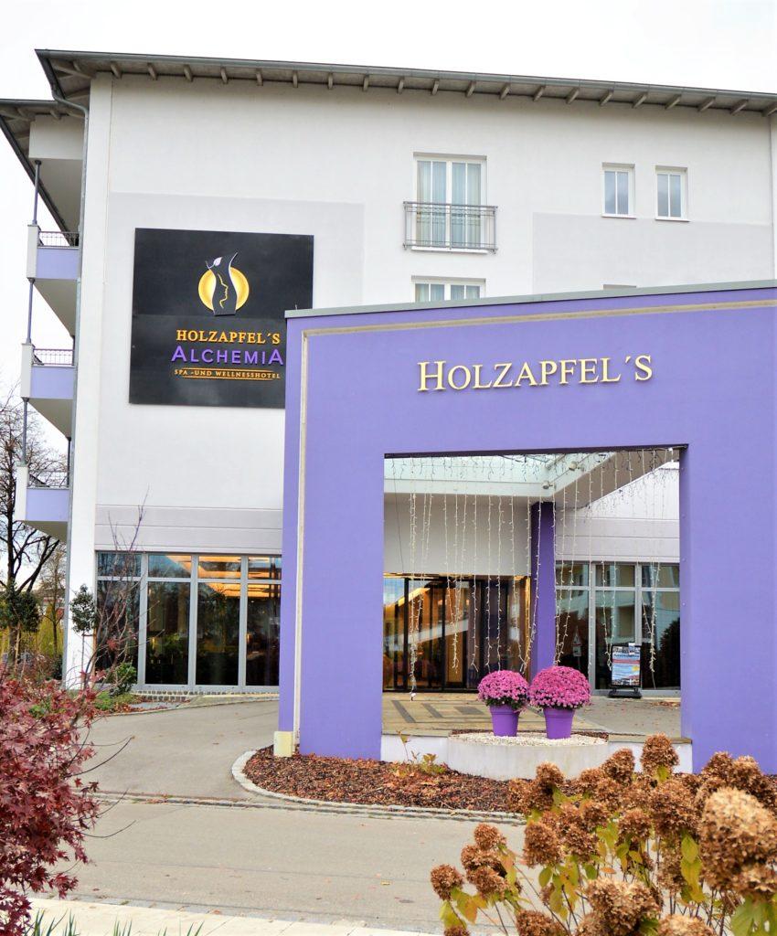 HOTEL HOLZAPFEL – LUXUS WELLNESS- und THERMENHOTEL