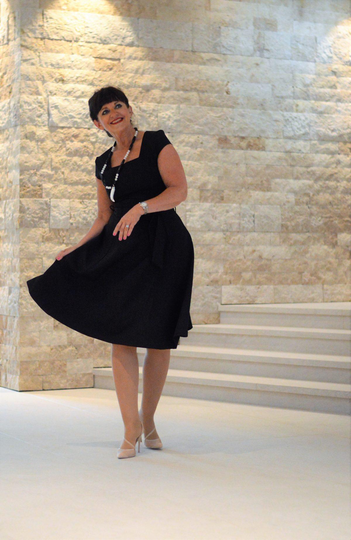 Kleid in Schwarz von Zalando