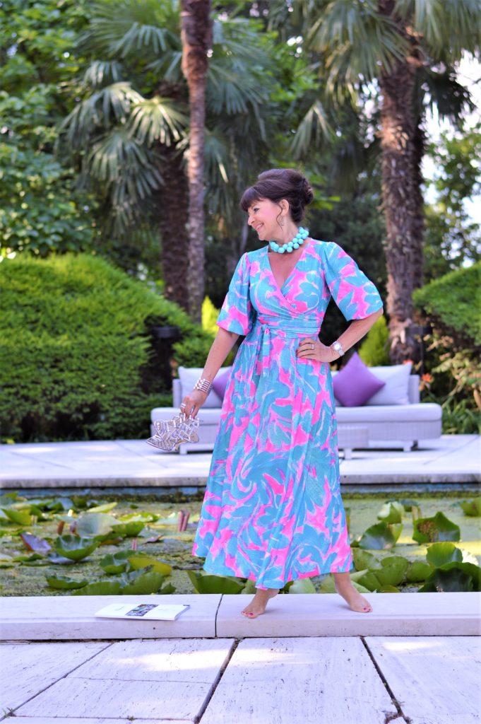 das perfekte Sommerkleid in bunten Farben