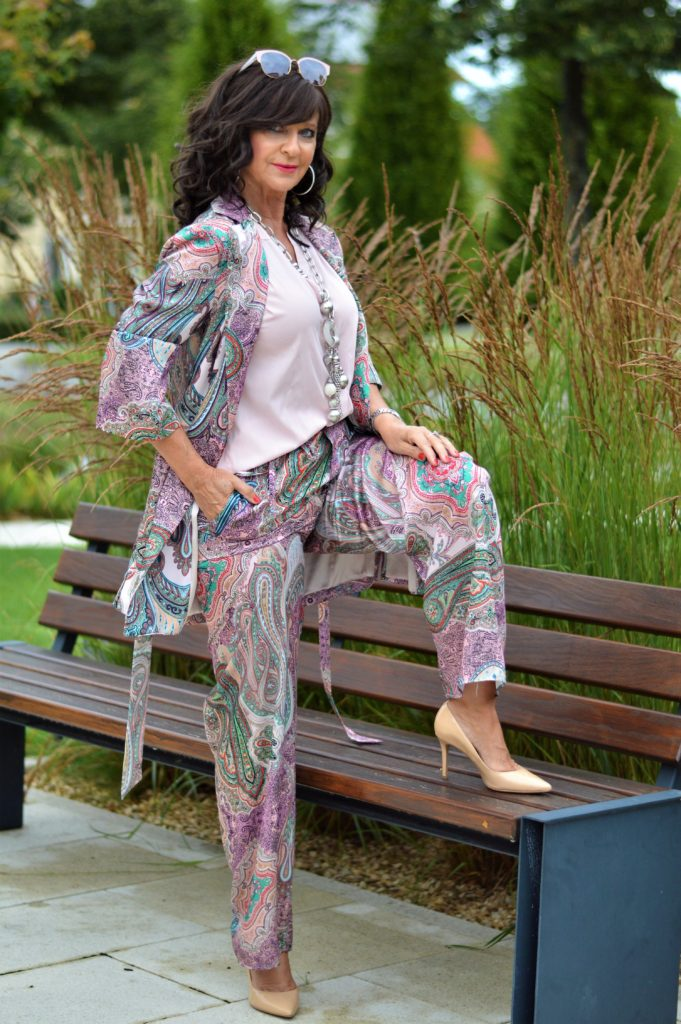 Paisley Anzug – Shoppen im eigenen Kleiderschrank