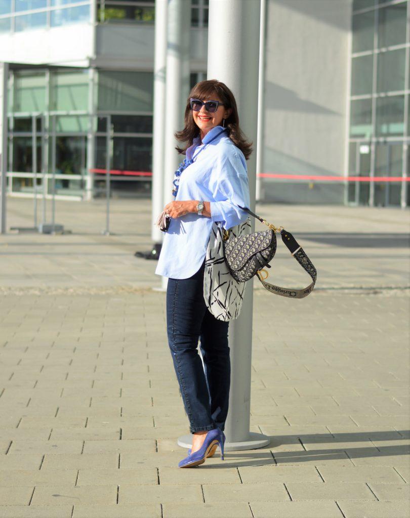 Bluse von Zara und Jeans