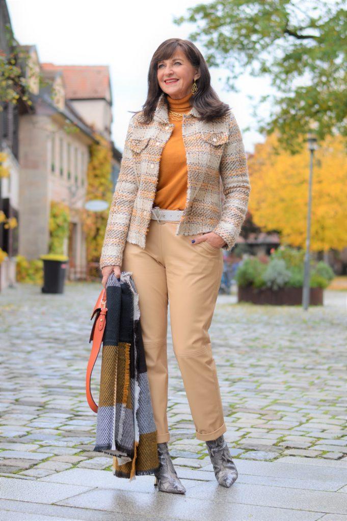 Herbst-Outfit: 6 Styling Tipps in zarten Tönen