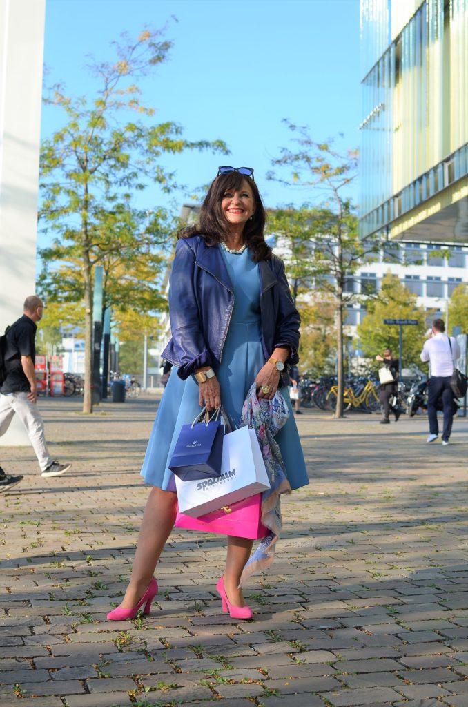 DAS BLAUE KLEID: 3 Styling Tipps für den Herbst